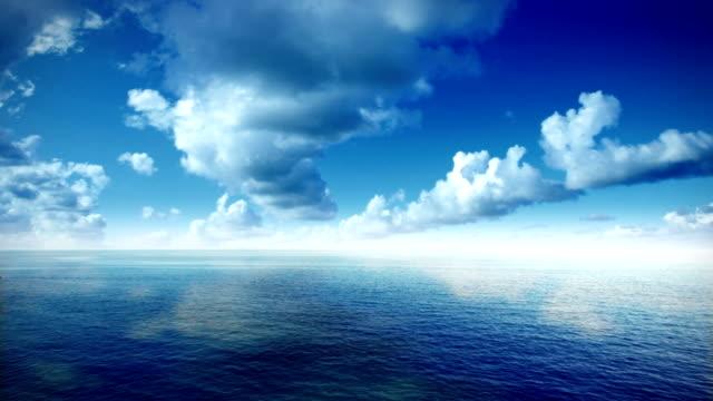 widok z lotu ptaka morskie i chmury - krajobraz morski filmów i materiałów b-roll