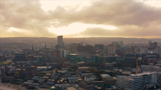 aerial view of sheffield city centre during a frosty cold morning in december 2019 - città diffusa video stock e b–roll