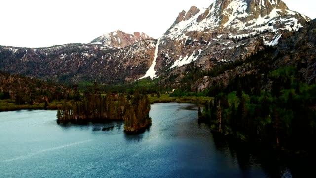 luftaufnahme des silver lake-california sierra nevada - kaskaden gebirge stock-videos und b-roll-filmmaterial