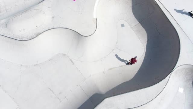 flygvy över skate park - skatepark bildbanksvideor och videomaterial från bakom kulisserna