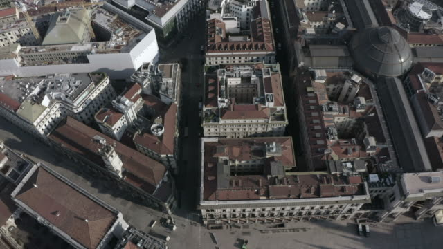 aerial view of streets and buildings in downtown milan.jpeg - lombardia video stock e b–roll