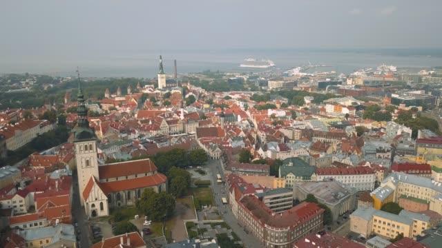 stockvideo's en b-roll-footage met luchtfoto van tallinn - estland