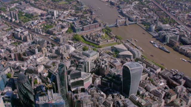 aerial view of the city and the shard, london, uk. 4k - london bridge inghilterra video stock e b–roll