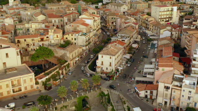 aerial view of the city and via umberto street - tropea video stock e b–roll