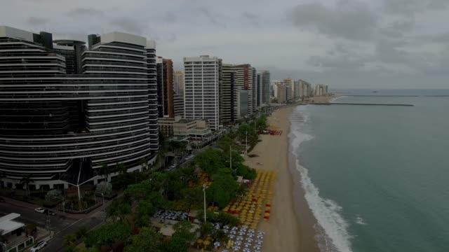 vídeos de stock, filmes e b-roll de vista aérea da cidade de fortaleza, estado do ceará, brasil. - nordeste
