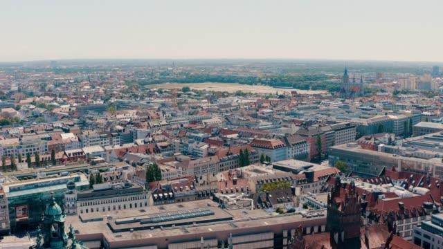 Luftaufnahme des Hauptbahnhofs in München, Bayern, Deutschland – Video