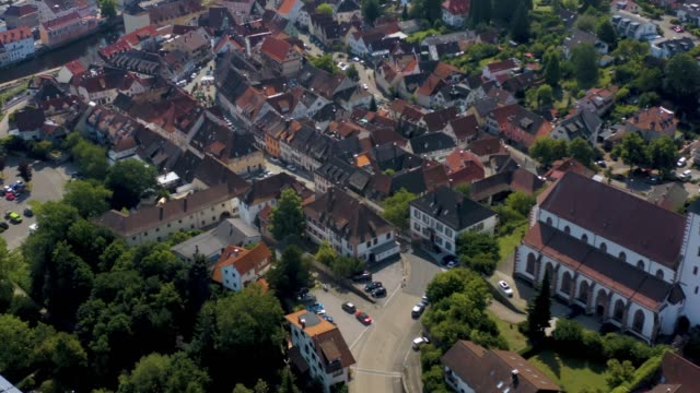 aerial view of the old town of gernsbach in germany - barocco video stock e b–roll