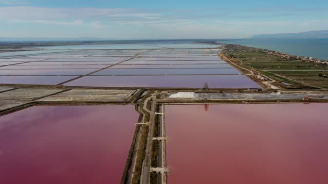 Luftaufnahme der Salzpfannen von Margherita Di Savoia – Video