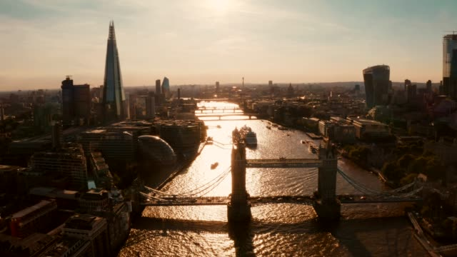 aerial view of the tower bridge in london, uk. - londra video stock e b–roll