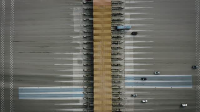 aerial view mautstraße - symmetrie stock-videos und b-roll-filmmaterial