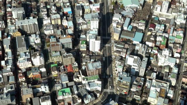 Luchtfoto van het verkeer in de stad Tokio video