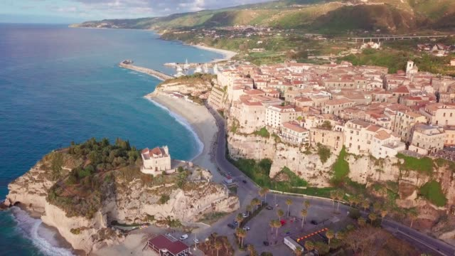 aerial view of tropea on cliffs by tyrrhenian sea, calabria, italy - tropea video stock e b–roll