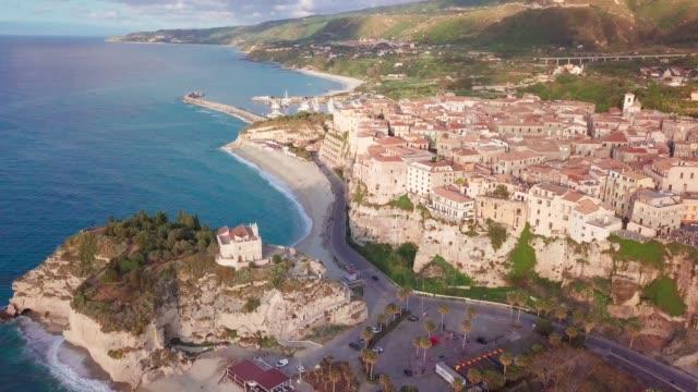 aerial view of tropea on cliffs by tyrrhenian sea, calabria, italy - video di tropea video stock e b–roll