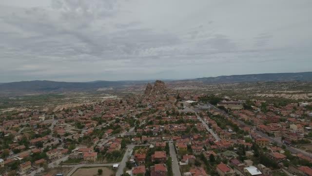 utsikt över uchisar slott, kappadokien. 4k-upplösning. - anatolien bildbanksvideor och videomaterial från bakom kulisserna