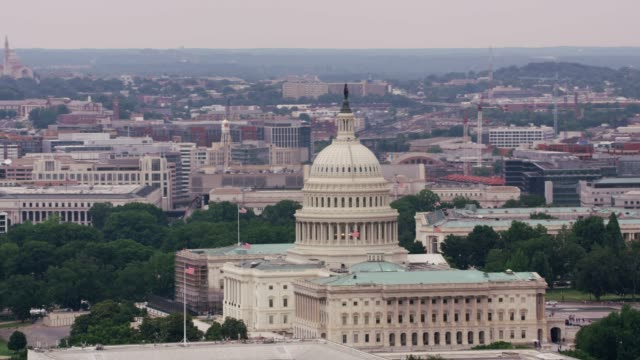 aerial view of us capitol building. - governo video stock e b–roll