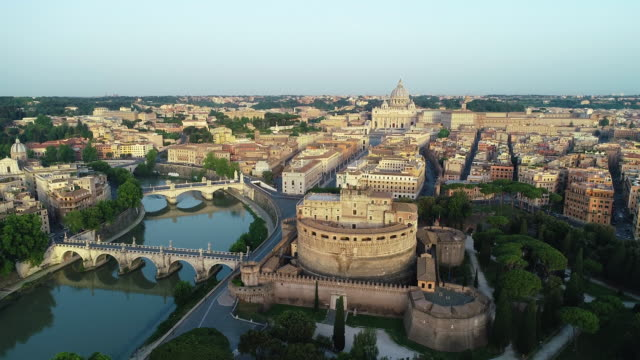 aerial view of vatican city, castel sant'angelo and tevere river. 4k - antica civiltà video stock e b–roll