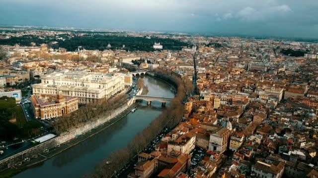 vidéos et rushes de vue aérienne de la cité du vatican - rome