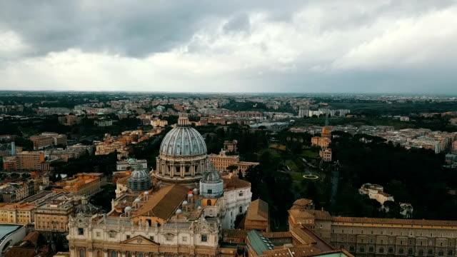 flygfoto över vatikanstaten - basilika katedral bildbanksvideor och videomaterial från bakom kulisserna