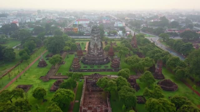 aerial view of wat ratchaburana is a buddhist temple in the ayutthaya historical park, ayutthaya, thailand. the temple's main prang is one of the finest in the city. - india video stock e b–roll