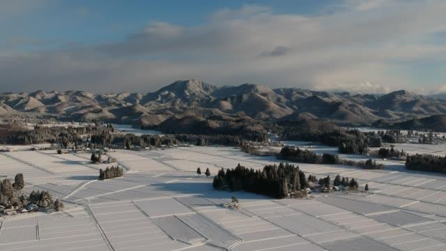 日本の冬の風景の空撮 - 冬点の映像素材/bロール