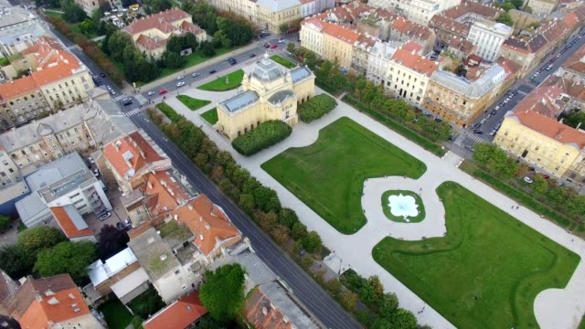 Vista aérea de Zagreb, Plaza del Rey Tomislav - vídeo
