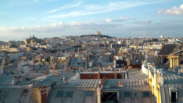 flygfoto på sacre coeur i paris i slow motion - montmatre utsikt bildbanksvideor och videomaterial från bakom kulisserna