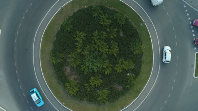 Luftaufnahme des Kreisverkehrs – Video