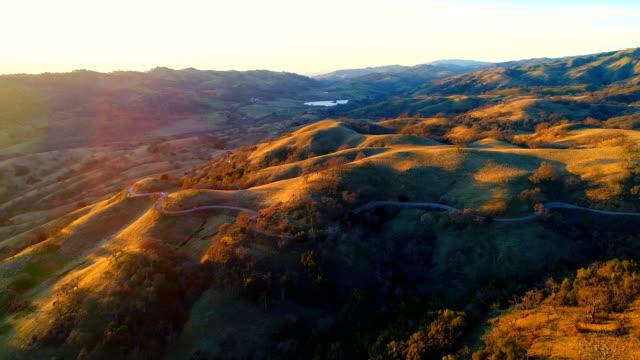 aerial visningar - kulle bildbanksvideor och videomaterial från bakom kulisserna