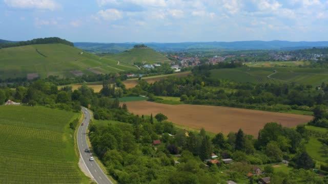 antenn med byn binswangen i ryggen, tyskland - roof farm bildbanksvideor och videomaterial från bakom kulisserna