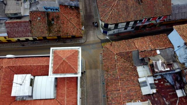 Vista aérea/zángano de las calles de Bogotá, Colombia 4 - vídeo