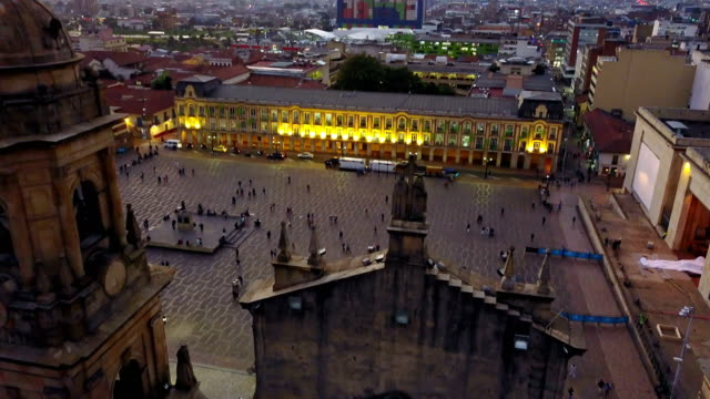 Vista aérea/abejón de la Plaza de Bolívar, La Candelaria, Bogotá, Colombia 3 - vídeo