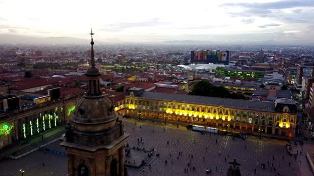Vista aérea/abejón de la Plaza de Bolívar, La Candelaria, Bogotá, Colombia 4 - vídeo