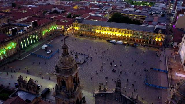 Vista aérea/abejón de la Plaza de Bolívar, La Candelaria, Bogotá, Colombia-5 - vídeo