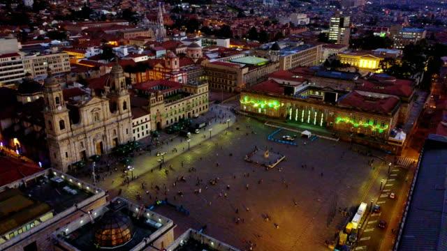 Vista aérea/abejón de la Plaza de Bolívar, La Candelaria, Bogotá, Colombia 8 - vídeo