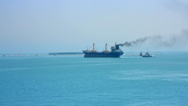 vidéos et rushes de pollution de l'air de navire - entonnoir