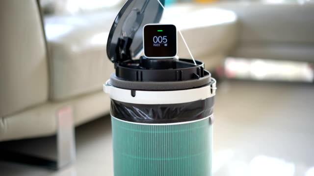 vidéos et rushes de purificateur d'air diy et détecteur de poussière. - pureté