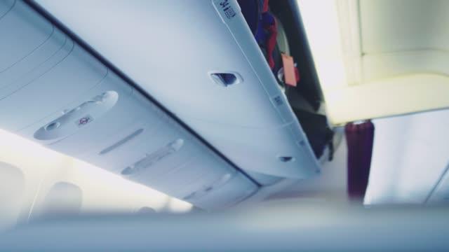 aircraft cabin on the plane - kabina filmów i materiałów b-roll