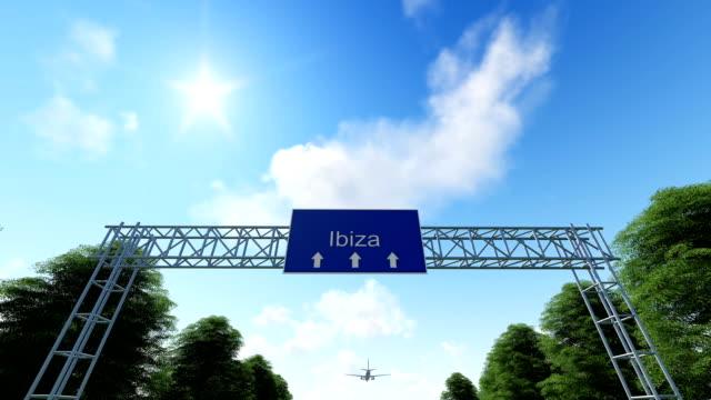 airplane arriving to ibiza in spain - ibiza filmów i materiałów b-roll