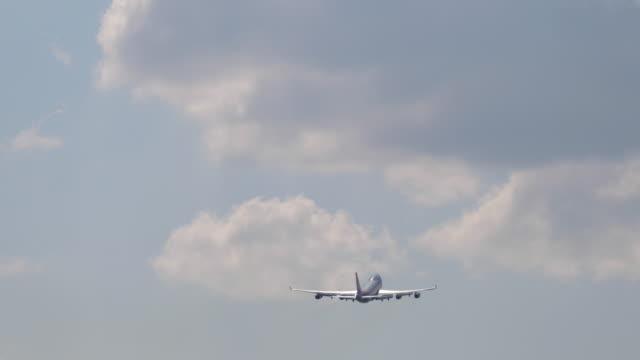 ノボシビルスク発飛行機 ビデオ