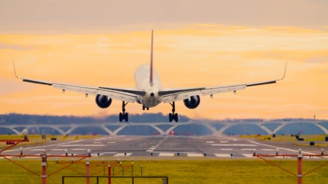 Airplane Landing at Reagan National Airport Washington DC D.C. 60P version