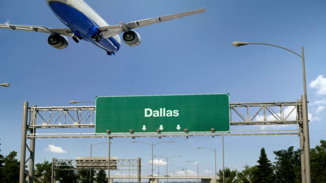 stockvideo's en b-roll-footage met vliegtuig landing dallas - texas