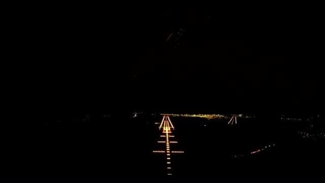 airplane landing (pov shot) night video