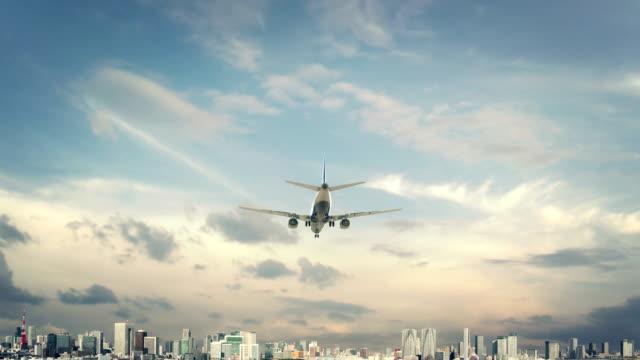 飛行機着陸東京日本 - airplane点の映像素材/bロール