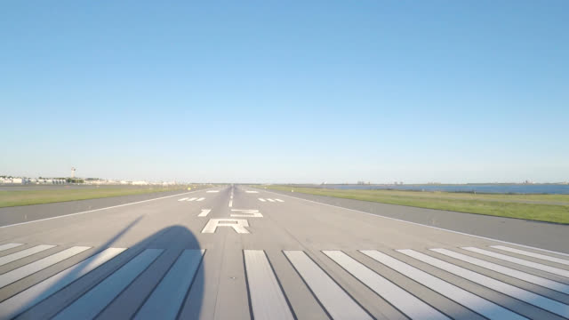 airplane take off (pov) - pilota video stock e b–roll