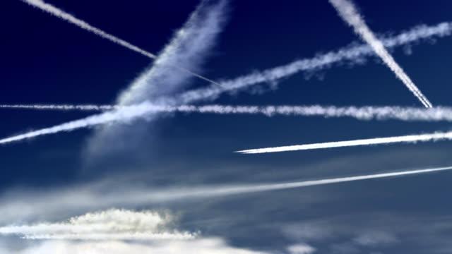 aeroplano vapore sentieri - anidride carbonica video stock e b–roll