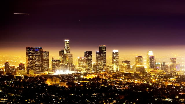 Airplanes Over Los Angeles, time lapse video
