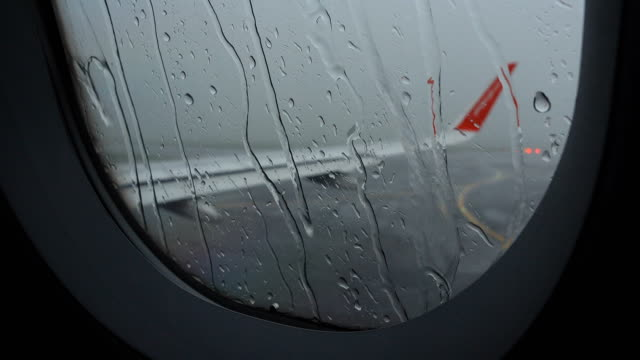 4K Airport delay due to rain storm bad weather