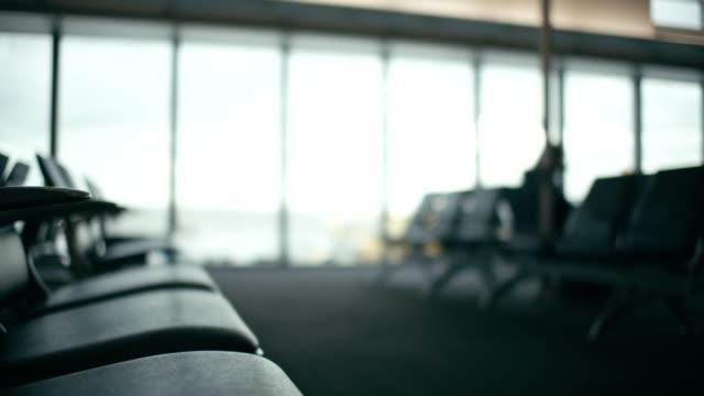 공항 좌석 - 공항 스톡 비디오 및 b-롤 화면