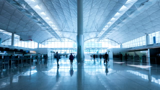airport timelapse. - аэровокзал стоковые видео и кадры b-roll