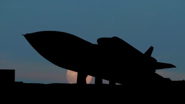 alabama space and rocket center shuttle moonrise - alabama stok videoları ve detay görüntü çekimi
